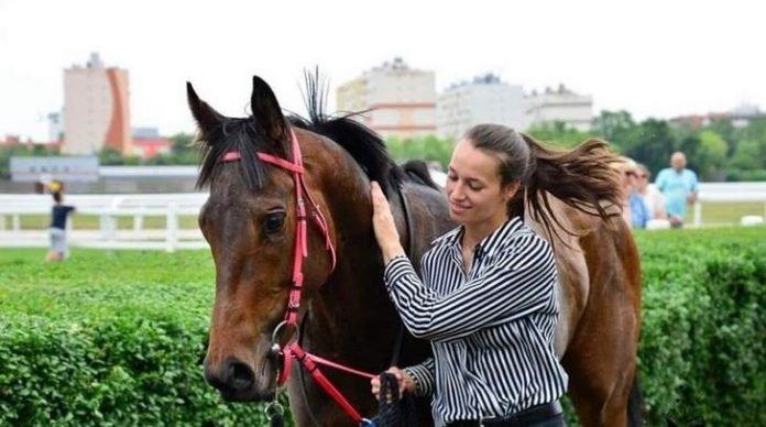 Így búcsúzott édesanyja a szombaton elhunyt 21 éves magyar zsokélánytól